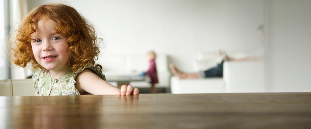 holzpflege reinigung und pflegetipps von lck. Black Bedroom Furniture Sets. Home Design Ideas